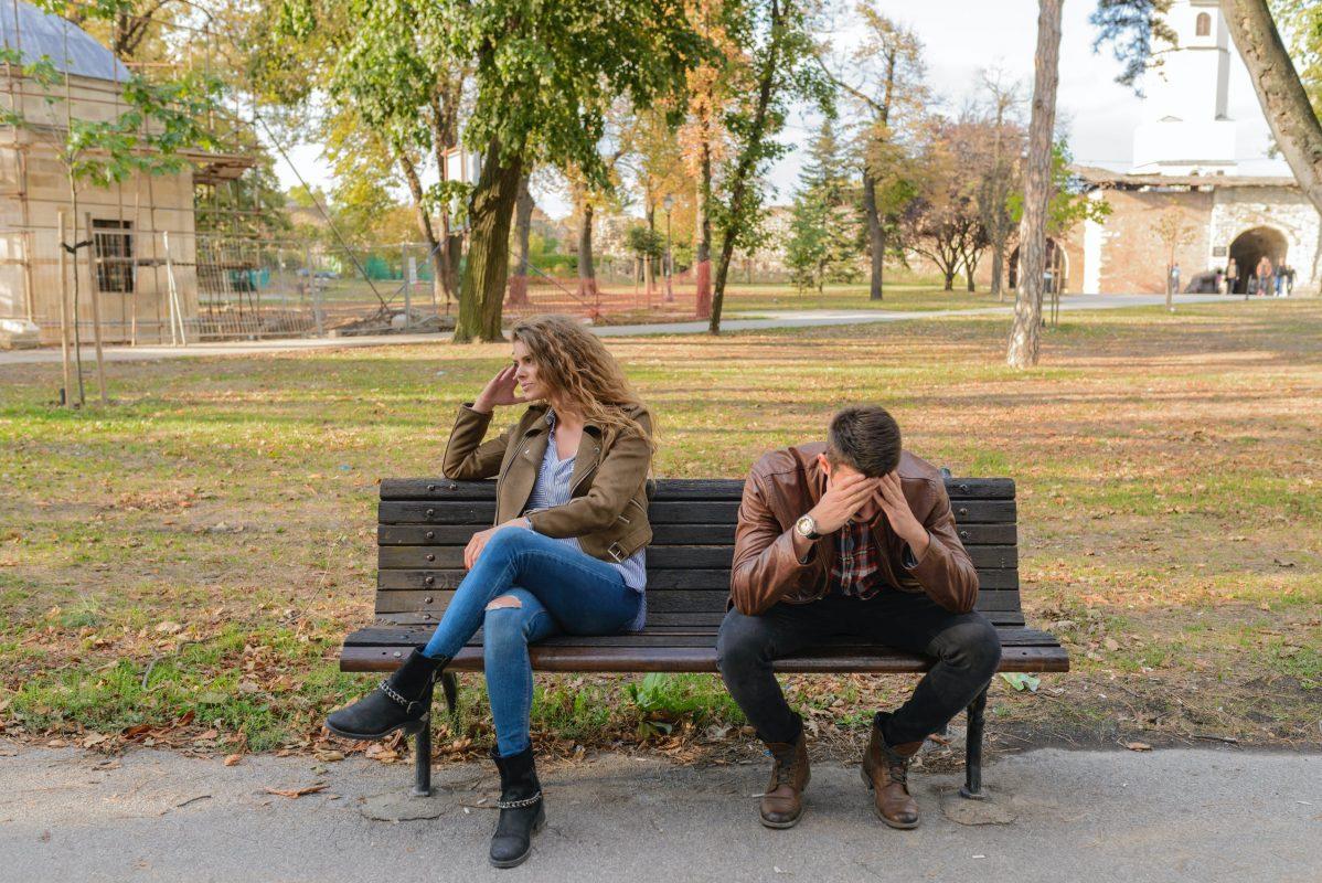 Pareja solicitando el divorcio